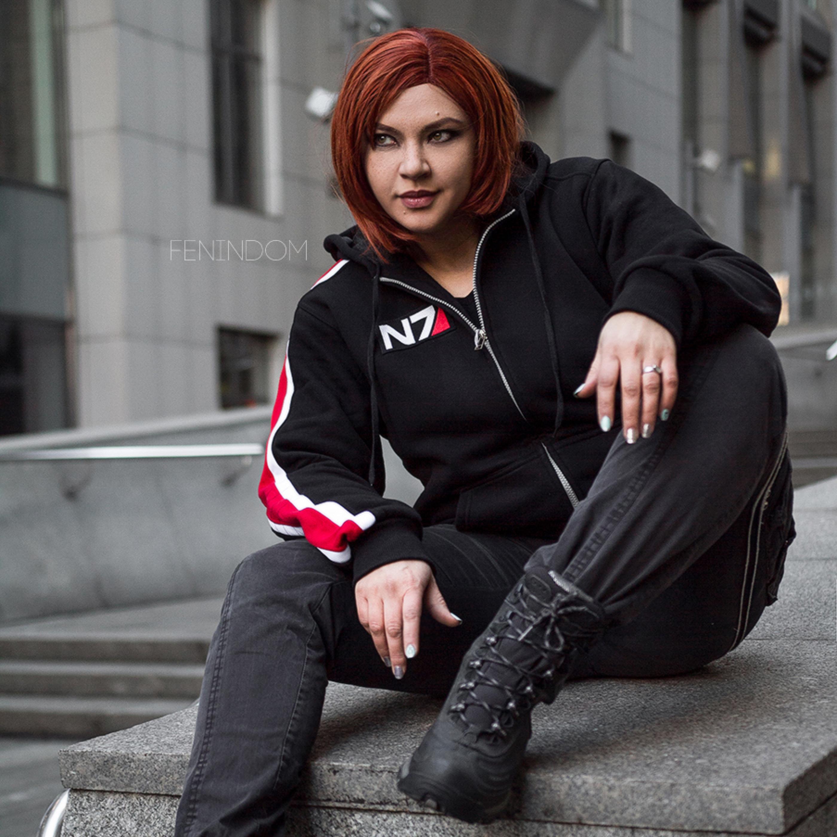 Fenindom Mass Effect Shepard Hoodie